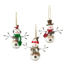 Hanging snowman w hats